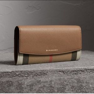 Burberry Leather Nova Wallet